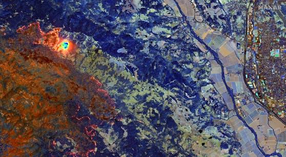 Eine Satelliten-Aufnahme zeigt das Ausmaß der Brände in Sonoma County.