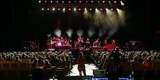 Experiment: Corona-Konzert mit tausenden Besuchern