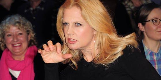 Barbara Schöneberger teilte in der NDR Talkshow gegen die Ballack-Ex aus