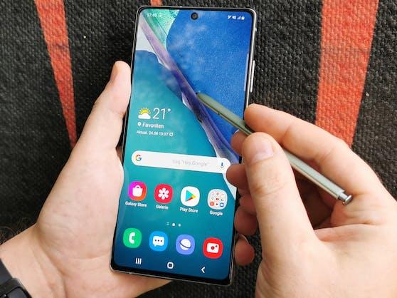 Das Samsung Galaxy Note20 muss sich im Test nicht gegen das Ultra verstecken.
