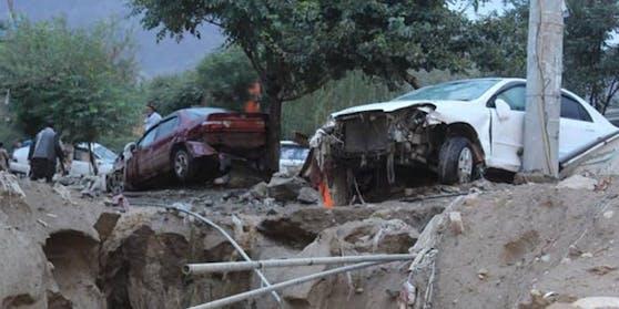 Sintflutartige Regenfälle forderten das Leben von 46 Menschen und zerstörten Hunderte von Häusern.