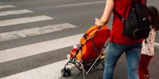 Junge Mutter mit Kindern auf Diebestour in St. Pölten