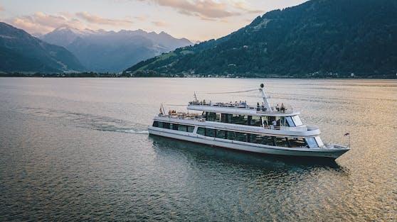 Das Ausflugsschiff MS Schmittenhöhe am Zeller See