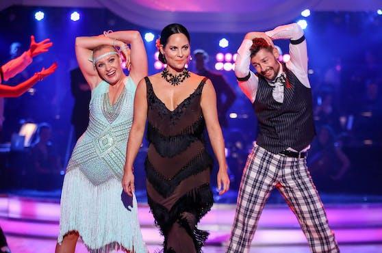 Nicole Hansen (Mitte) hört bei Dancing Stars auf.