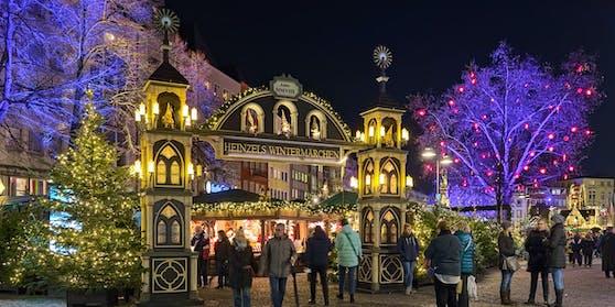 Der Weihnachtsmarkt in Köln, Deutschland.