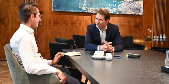 Sebastian Kurz im Gespräch mit Heute.at-Chefredakteur Clemens Oistric