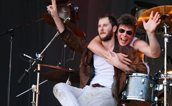 Marco Michael Wanda und Drummer Lukas Hasitschka
