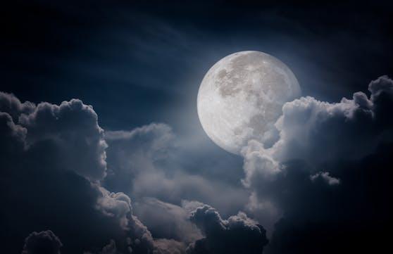 Der Mond könnte uns in den nächsten Nächten ganz schön zu schaffen machen.