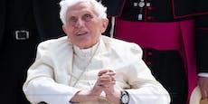 Große Sorge um Papst Benedikt (93)