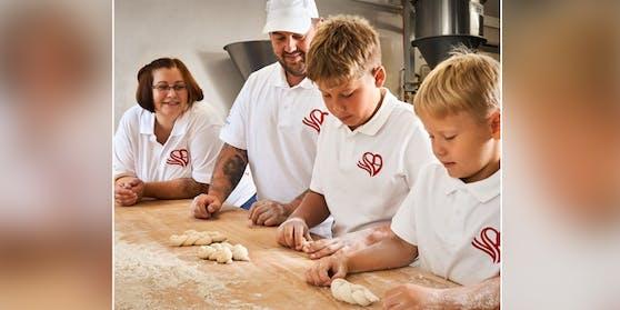 Familie Neudorfer fehlen Mitarbeiter für die Bäckerei.