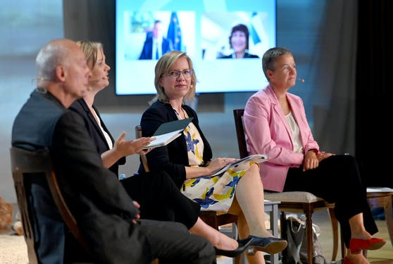 "Das Hybrid-Panel ""Green New Deal. A Just Transformation & Recovery"" beim Forum Alpbach am Montag, 31. August 2020."