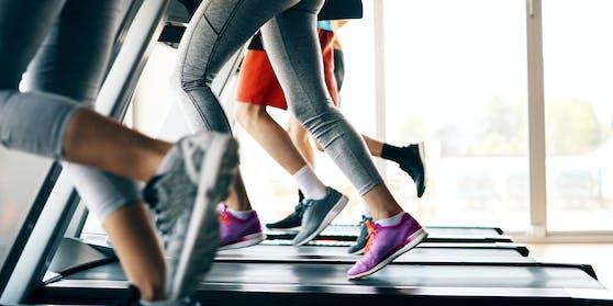 Im Fitnessstudio wurde eine 60-Jährige sexuell belästigt.