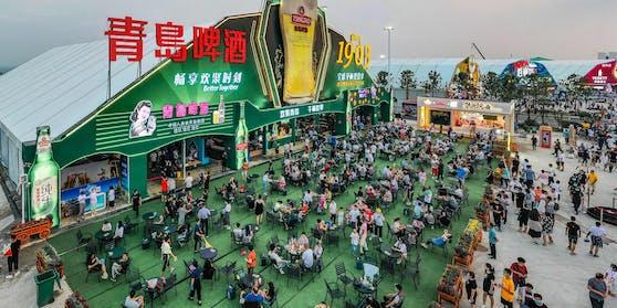"""Trotz Bierlaune gelten auch auf""""Chinas Oktoberfest"""" die Corona-Abstandsregeln"""