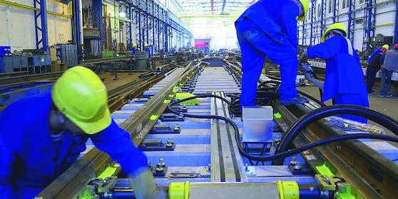 Gut läuft in der Steiermark hingegen die Fertigung von Schienen sowie Weichen – hier könnte die Kurzarbeit bald beendet sein.
