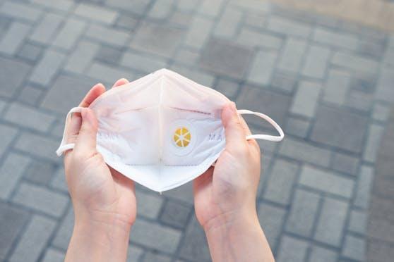 Symbolfoto einer Corona-Maske