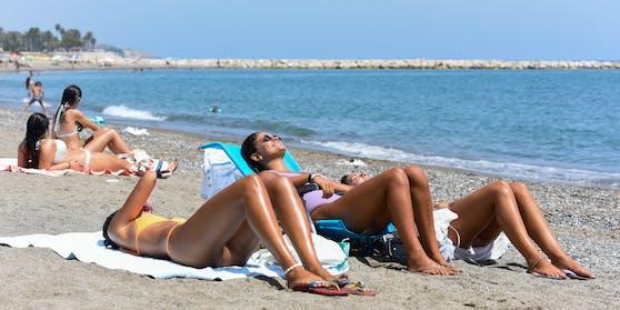 Erst vor wenigen Wochen wurde die Reisewarnung für Spanien aufgehoben. Jetzt wird sie wegen einer Welle von Neuinfektionen reaktiviert.