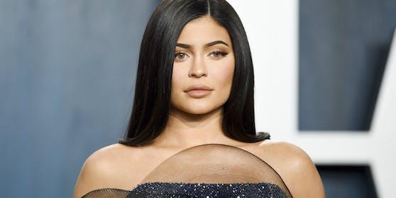 Der Trailer zur finalen Staffel löste nun aber bei vielen Fans Entsetzen über Kylie Jenners Aussehen aus.