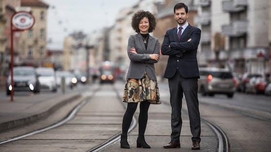 Martha Bissmann, Spitzenkandidatin der SÖZ mit Parteiobmann Hakan Gördü.