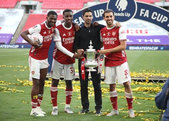 Die hochbezahlten Arsenal-Stars wollen 55 Entlassungen nicht einfach hinnehmen.