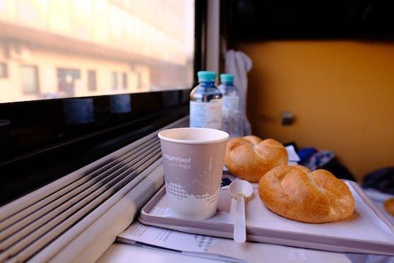 Zugfahrt: Familie speiste, um keine Maske zu tragen (Symbolfoto)