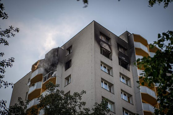 Bei einem Hochhausbrand in Tschechien sind mehrere Menschen gestorben.