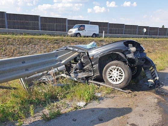 Auf Höhe der Anschlusstelle Bad Vöslau kam es am Freitag zu einem schweren Unfall auf der Südautobahn A2.