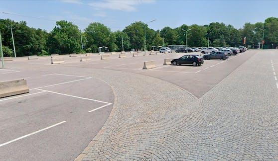 Blick auf den Parkplatz Am Kahlenberg
