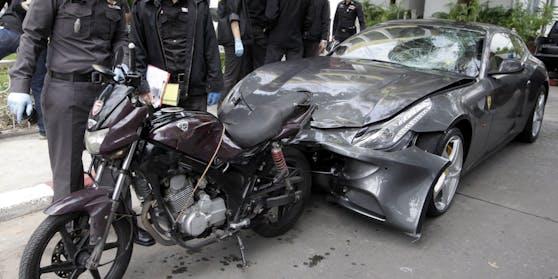 Der Ferrari von Vorayuth Y. nach dem tödlichen Crash.