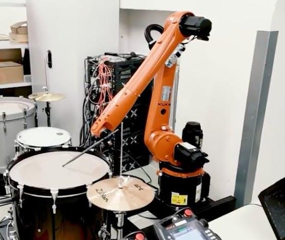 Die Roboter der Kunst Uni Linz üben schon fleißig für ihren Auftritt am Ars Electronica Fesitval 2020.