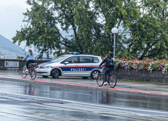Auf der Linzer Nibelungenbrücke wurden am Dienstag in der Früh Radfahrer kontrolliert.