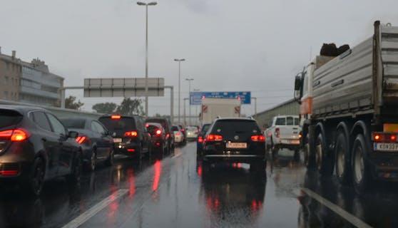Am Dienstag kamen Autofahrer im Frühverkehr nur langsam voran.
