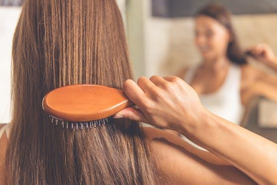 Eine lange, schöne Haarmähne wünschen sich viele Frau, aber nicht jede ist damit gesegnet.