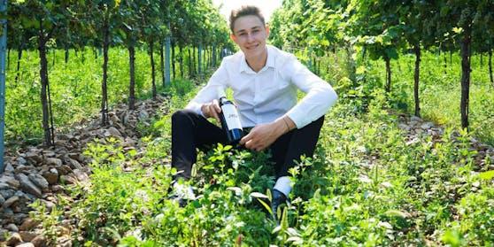 Leo Hillinger jun. im Weingarten in Jois (Bgld.)