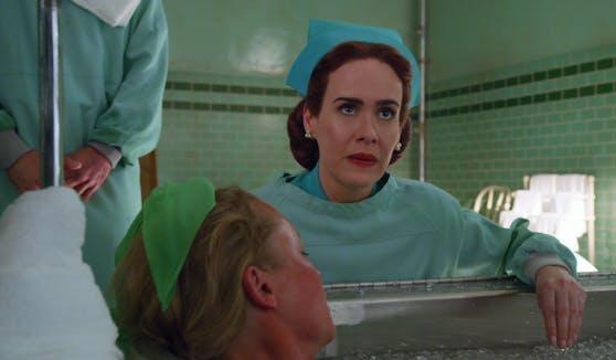 """Sarah Paulson spielt in """"Ratched"""" die böse Krankenschwester."""