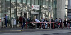 Meterlange Warteschlange vor Wiener Finanzamt