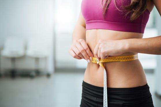 Bei einer Diät oder einer Ernährungsumstellung kommt es nicht so sehr darauf an, einfach weniger zu essen, sondern darauf, was man zu sich nimmt.
