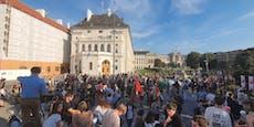 300 demonstrieren in Wien für Moria-Flüchtlinge