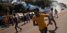 Polizei geht mit Tränengas gegen Menschen in Moria vor