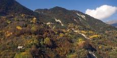Kleinflugzeug mit Touristen an Felswand zerschellt