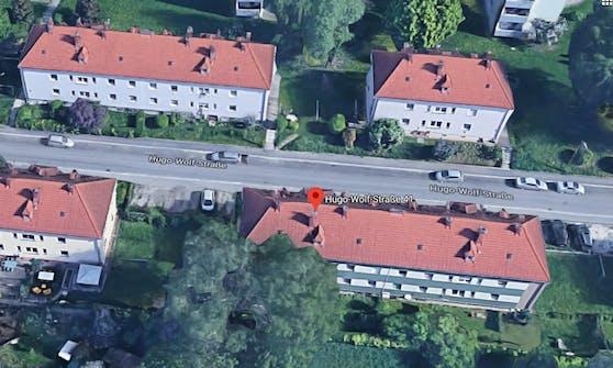 In der Linzer Hugo-Wolf-Straße lag der 20-Jährige tot auf der Straße.