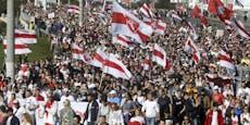 150.000 Menschen demonstrieren gegen Lukaschenko