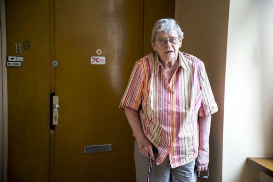 Kann Corona nicht mehr hören: Mary H. (81)