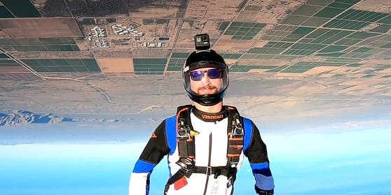 Der US-Amerikaner Kyle Marquart ist für seine Stunts in luftiger Höhe bekannt.
