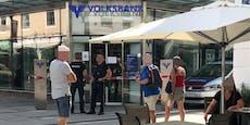 Banküberfall: Täter kam mit Schal und Sonnenbrille