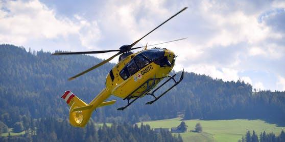 "ÖAMTC-Notarzthelikopter ""Christophorus 14"" im Landeanflug. Symbolbild"