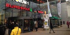 Corona-Fall im Supermarkt, Kunden sollen sich melden