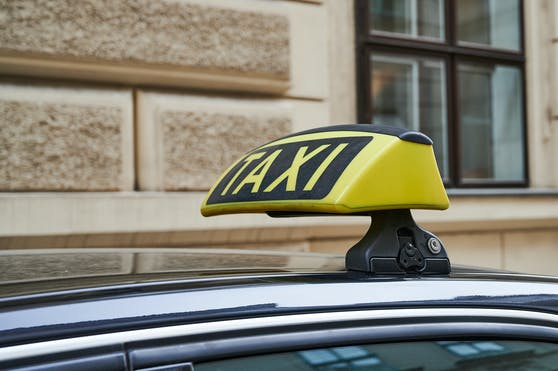 Per Taxi nach Deutschland