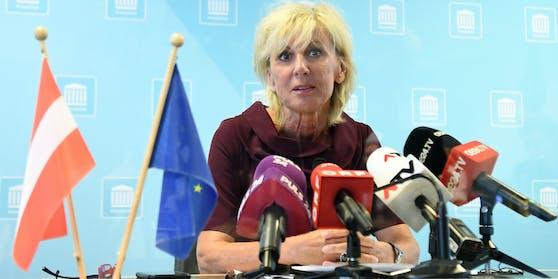 Die stellvertretende ÖVP-Generalsekretärin Gaby Schwarz bei einer Pressekonferenz im Juli 2020