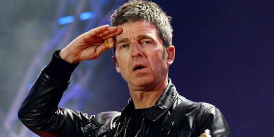 Noel Gallagher tut sich einiges an, um keine Maske tragen zu müssen