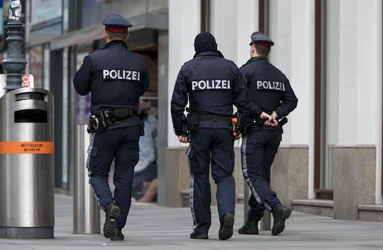 Maximal 10 Personen: Polizei darf wieder die Lokale kontrollieren